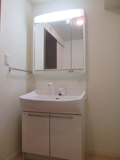 ソルモンテはかた / 405号室洗面所