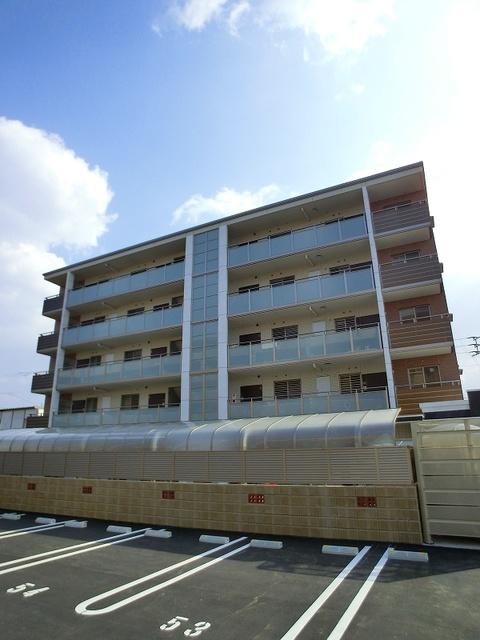 ココテラスK / 303号室駐車場