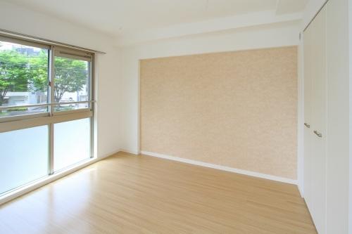 グランドゥールステラ / 102号室洋室