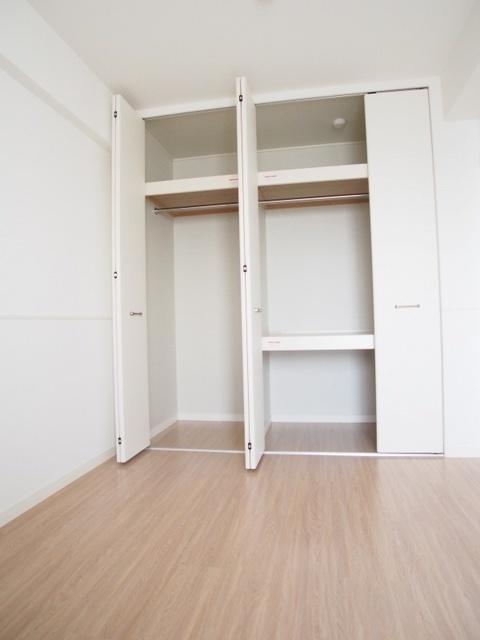 プラス カナール / 401号室収納
