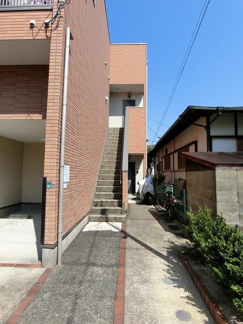 NAOレインボーコーポ井尻 / 105号室エントランス