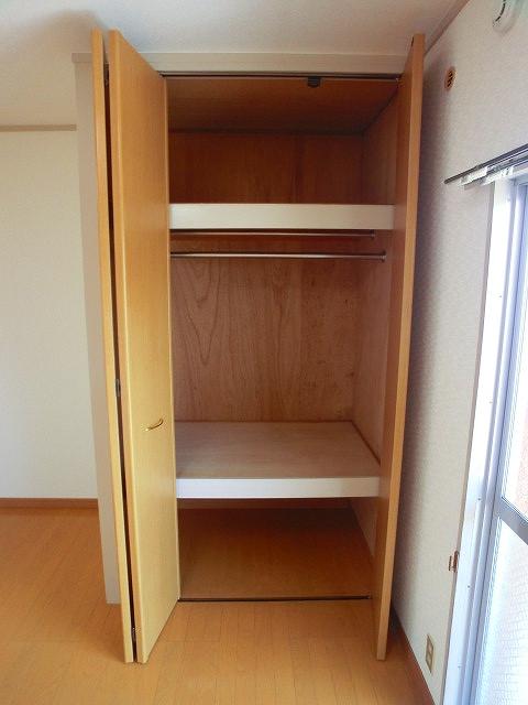 山本ビル / 103号室収納