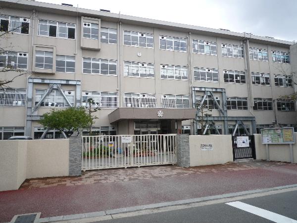 三筑小学校