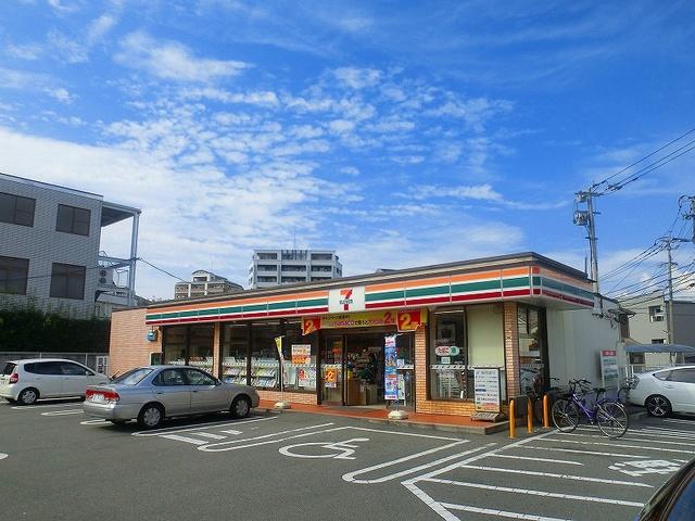 セブンイレブン井尻店まで徒歩3分です。