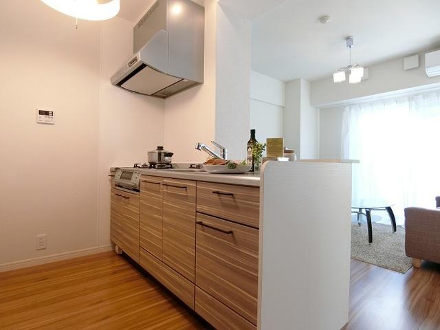 ノアール香椎 / 201号室キッチン