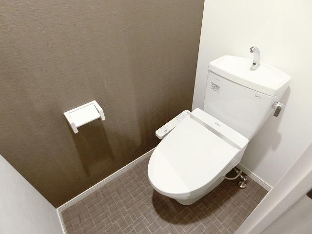 ノアール香椎 / 501号室トイレ