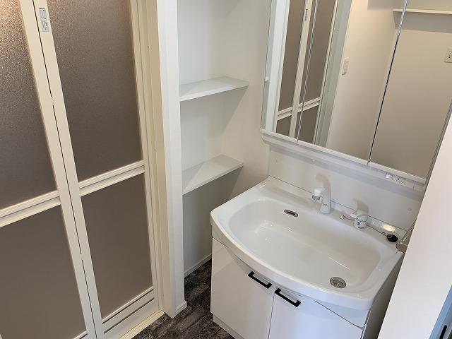 グランドゥール天神 / 101号室トイレ