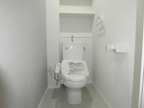 Elegance Ace / 201号室トイレ