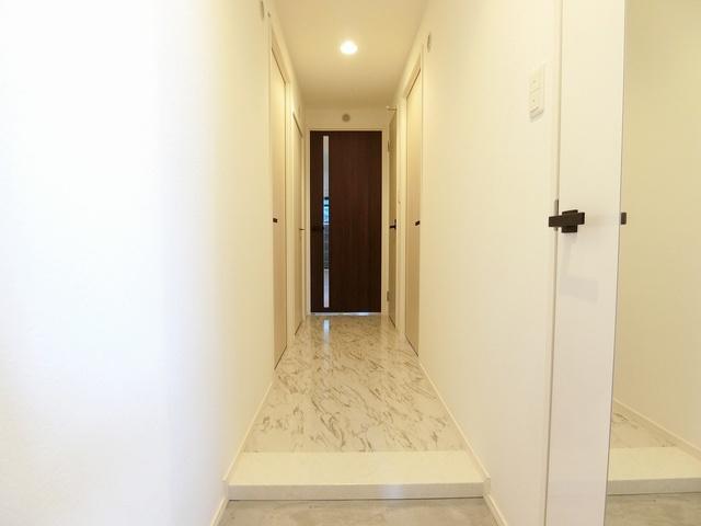 グランドゥール天神 / 601号室玄関