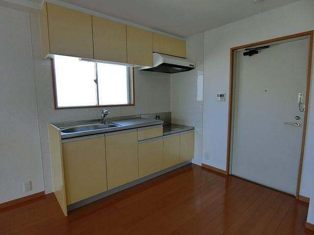 アーバン和白丘 / 301号室キッチン