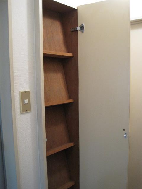 綾の家 / N-101号室収納