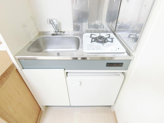 アドヴァンス昇町エイト / 107号室キッチン