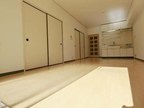 レークサイドパーク / 403号室リビング