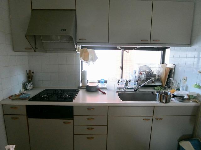 一の谷3丁目貸家 / 1号室キッチン