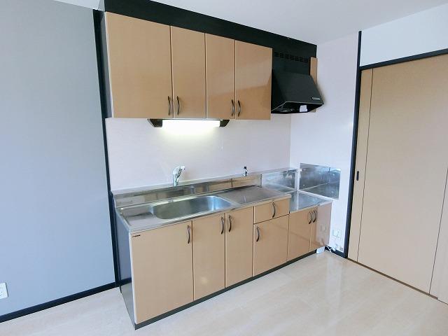 カウベルハウス / 202号室キッチン
