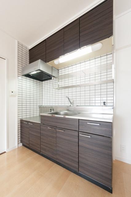 レジデンス一の谷 / 301号室キッチン