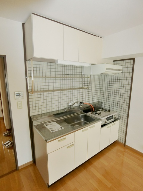 K.K.H(カワサキ春日ハイツ) / 303号室キッチン