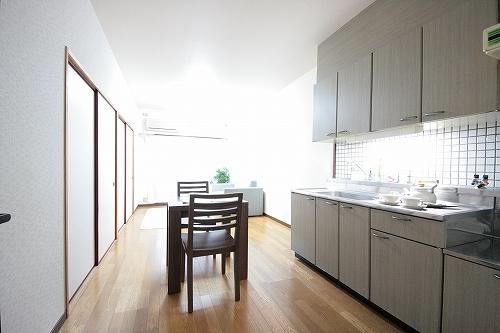 サンリバー博多南 / 702号室キッチン