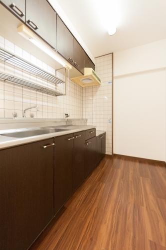 シャトレ博多南 / 305号室キッチン