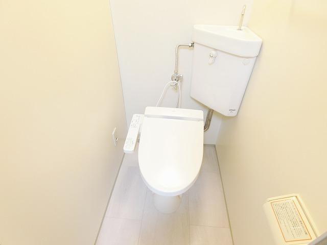 アドヴァンス昇町エイト / 107号室トイレ
