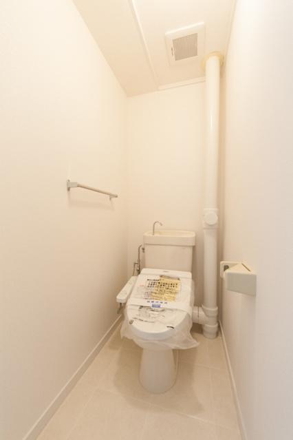 レジデンス一の谷 / 403号室トイレ