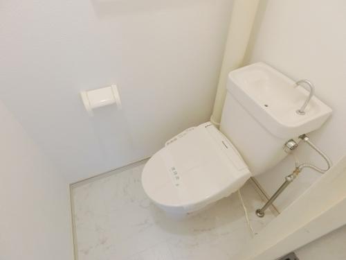 サンガーデン春日 / 303号室トイレ