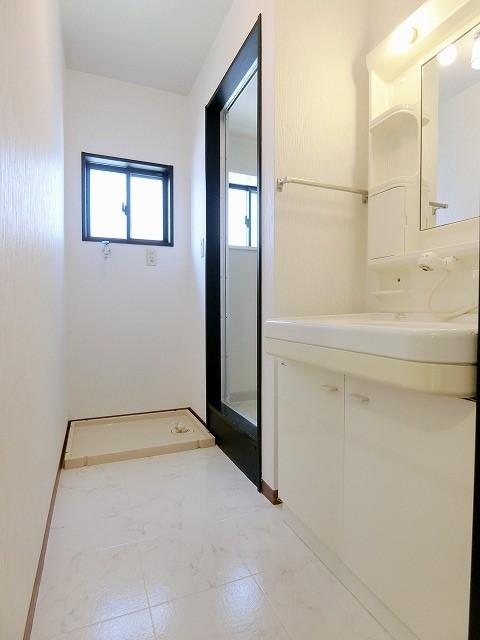 カウベルハウス / 202号室洗面所