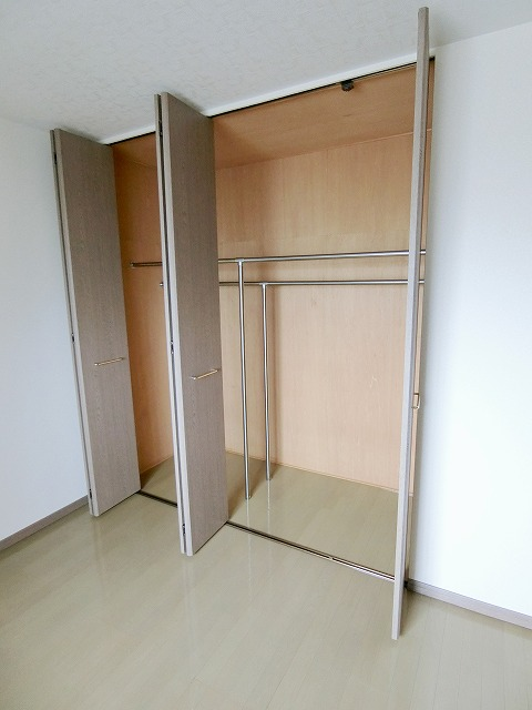 エントピア那珂川2 / 402号室収納