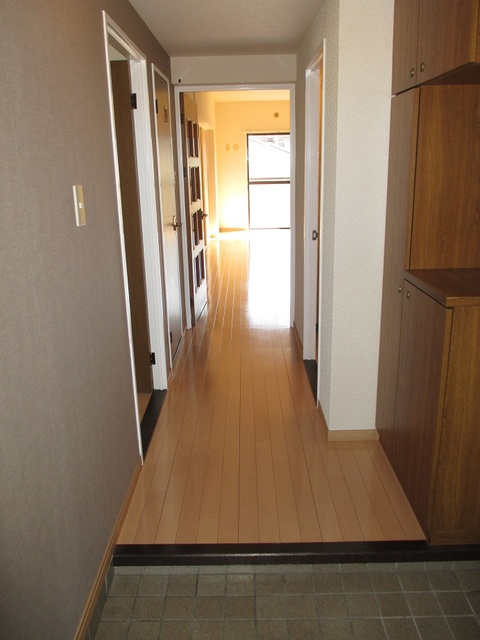 シャトレYK / 305号室玄関