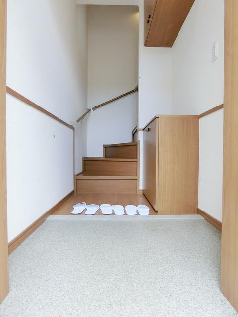 タウンハウス メイ(犬・猫可) / 202号室玄関