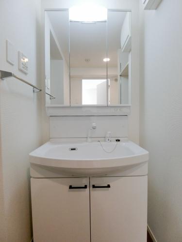 グラン ソレイユ / 302号室洗面所