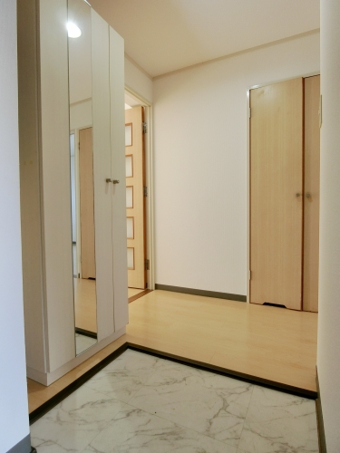 レークサイドパーク / 403号室玄関