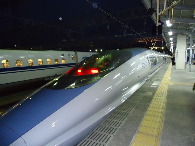 博多南駅 徒歩6分  新幹線で博多駅まで9分(片道300円!!)♪♪