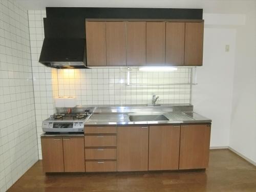 ラ・コートYT / 401号室キッチン