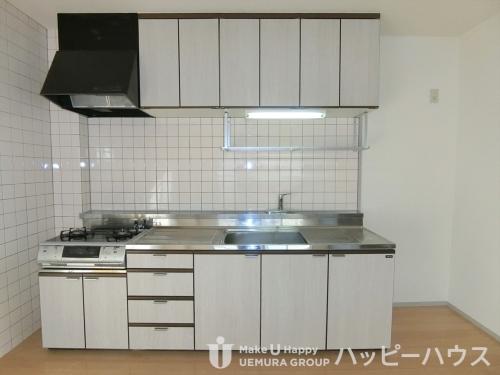 ラ・コートYT / 501号室キッチン