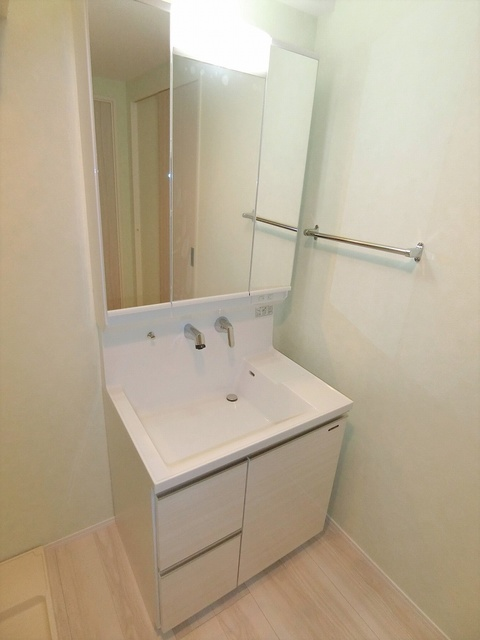 ウェスタ久留米けやき通り / 2-603号室洗面所