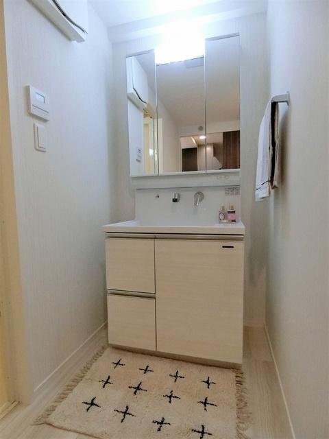ウェスタ久留米けやき通り / 2-502号室洗面所