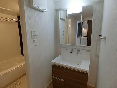 ウェスタ久留米けやき通り / 2-802号室洗面所