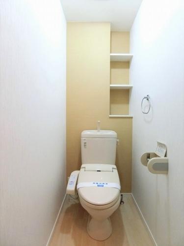 グランシャリオ七夕通り / 102号室トイレ