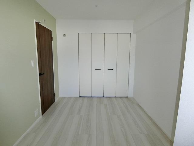 ウェスタ久留米けやき通り / 1-802号室洋室