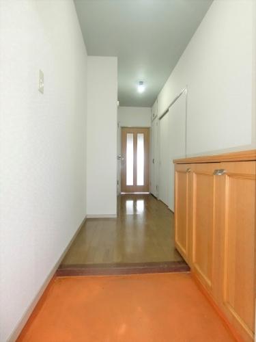 ラ・コートYT / 401号室玄関