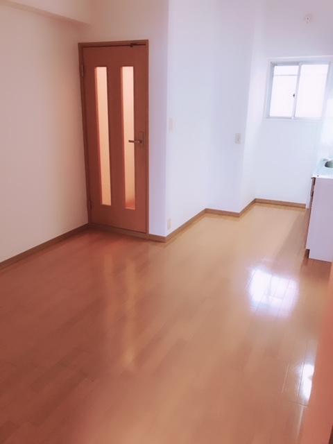 讃井ビル / 302号室
