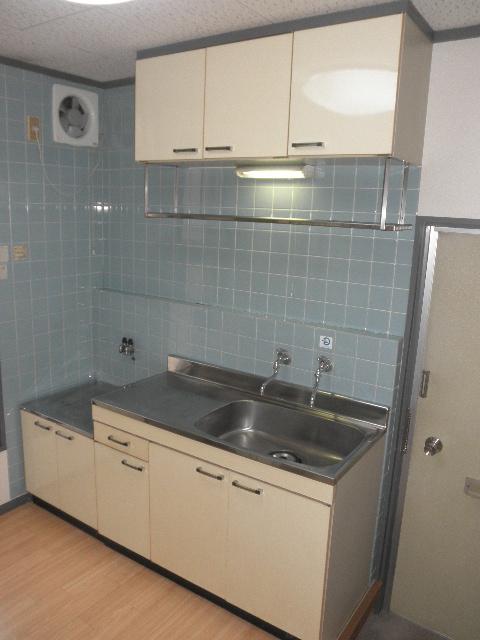 サンライズ梅光園 / 105号室キッチン