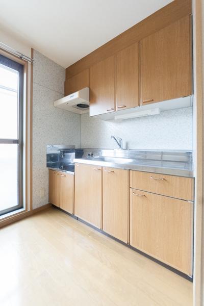 ラヴィタ城南B・C / C-205号室キッチン