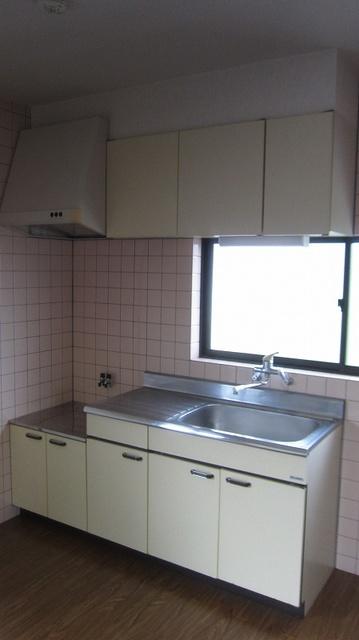 フローラ山本Ⅱ / 201号室キッチン