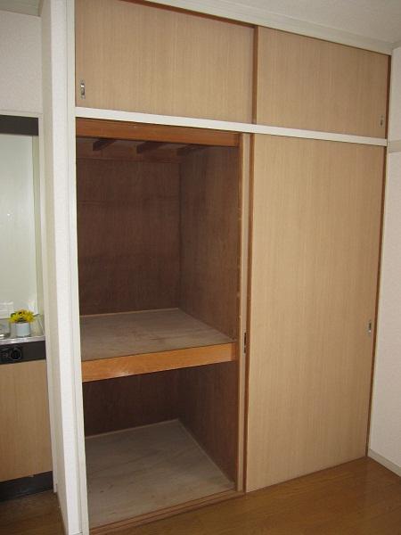 ラフォーレ四季 / R-11号室収納