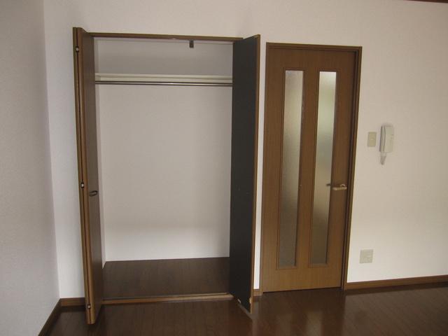 ライフコート篠原 / 202号室収納