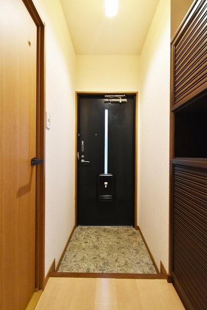 ラヴィタ城南A / 105号室玄関
