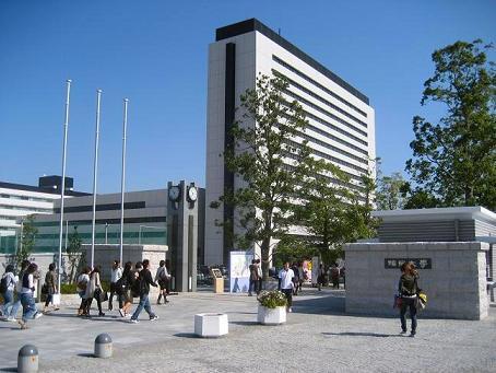 福岡大学まで徒歩8分です