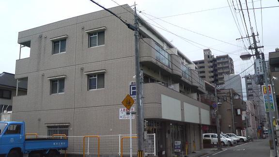 レジデンス秋山 / 302号室